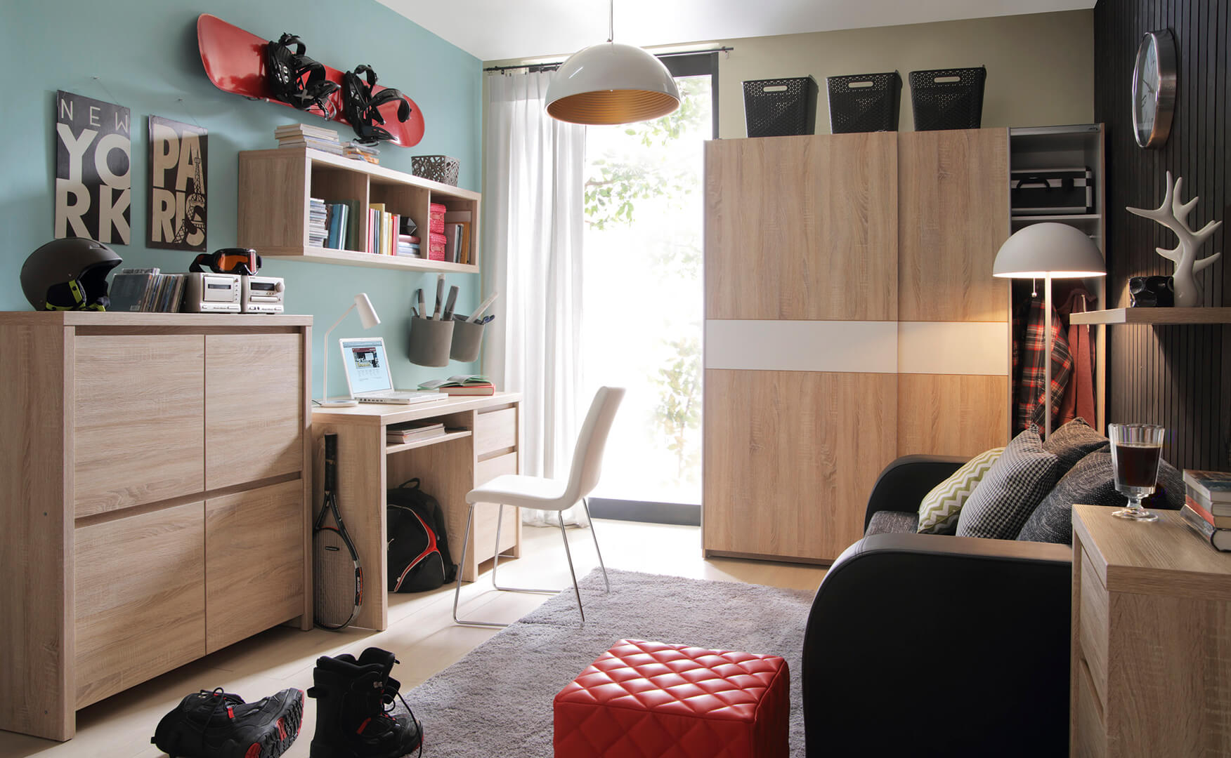 Как украсить детскую спальню